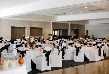 Banquet facilities to accommodate up to 300 people, with on-site audio-visual and catering services.