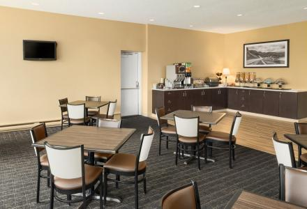 Free continental breakfast, served daily