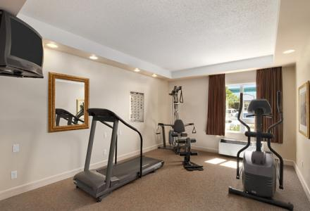 Fitness centre, open daily from 6:00am - 10:00pm.
