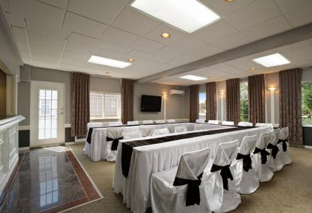 The Fraser Valley room accommodates up to 50 people. Our new Foundation Exhibit space can accommodate up to 300 people.