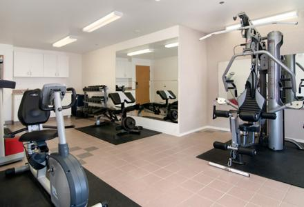 Guests will enjoy the on-site fitness centre, open daily from 6:00am - 10:00pm.