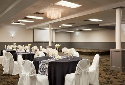 New ballroom offers ideal space for Medicine Hat banquets, weddings and events.  Onsite catering available.
