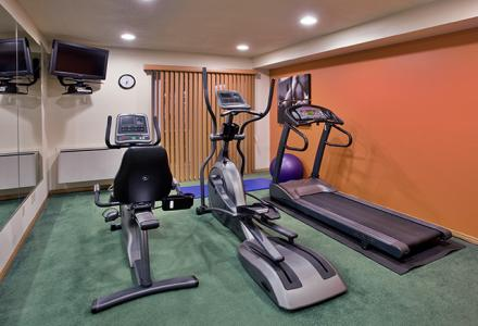 Fitness area for guest use, open daily from 6:00am - 10:00pm