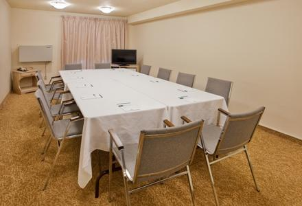 Small meeting room available to accommodate up to 25 people.