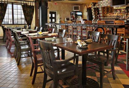 Venezia Italian Restaurant and lounge, open daily from 6:30am - 10:00pm, serving delicious breakfast, lunch and dinner.