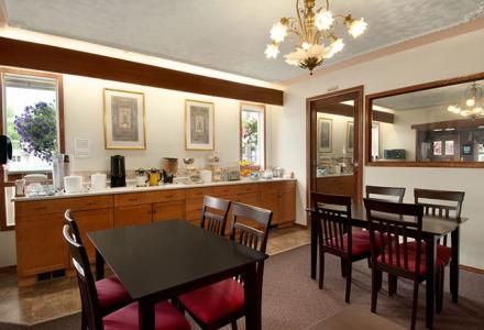 Free continental breakfast, served daily from 7:00am - 10:00am.