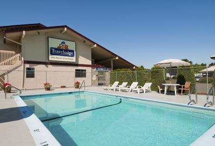 Seasonal heated outdoor pool, open daily from 9:00am - 10:00pm. (as per weather conditions)