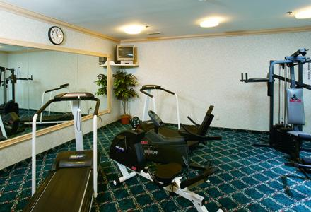 Fitness room open daily from 6:00am - 10:00pm for guests' use.