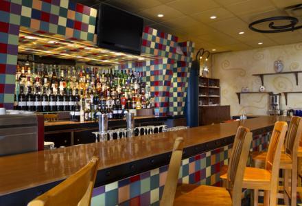 Bar-salon Venezia ouvert tous les jours de 6 h 30 à 22 h