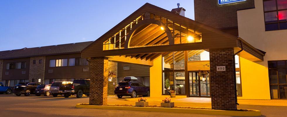 Central Thunder Bay Hotel