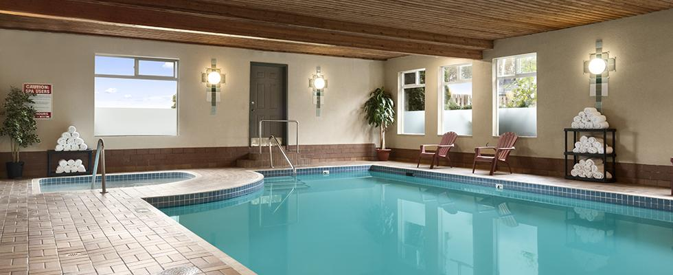 Chilliwack Hotel with Pool