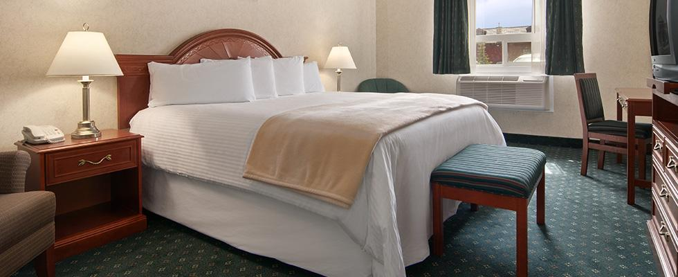 Comfortable Strathmore Hotel