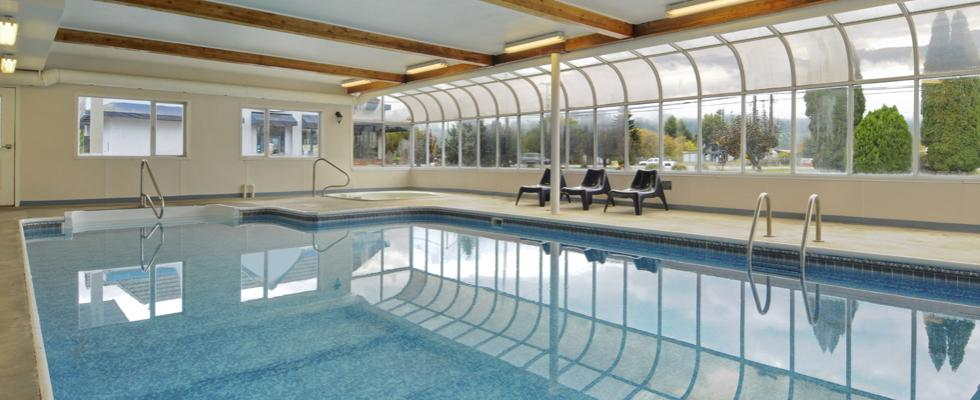 Salmon Arm hotel with pool