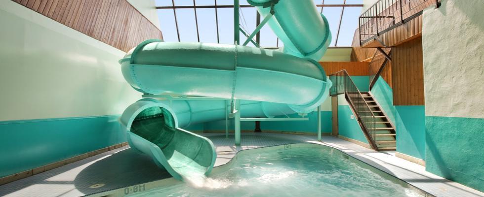 Indoor pool & waterslide