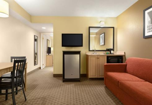 Travelodge Suites Moncton Moncton New Brunswick Hotel Travelodge Canada